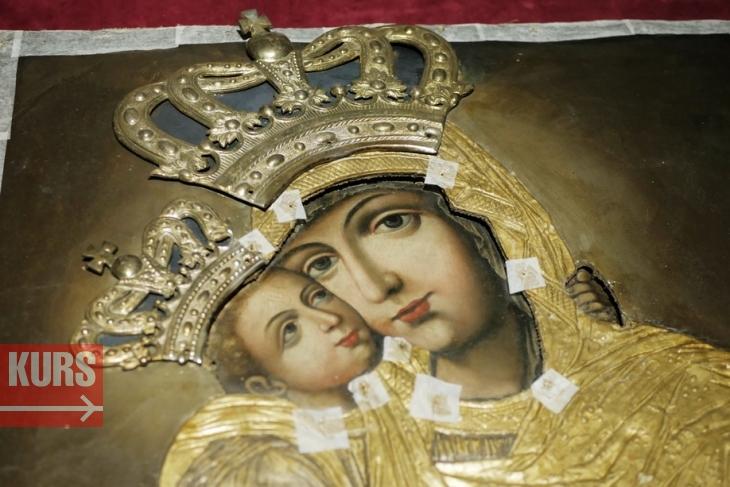 Чудотворну ікону, яку реставрують у Франківську, показали в обласному краєзнавчому музеї. ФОТО, ВІДЕО 1