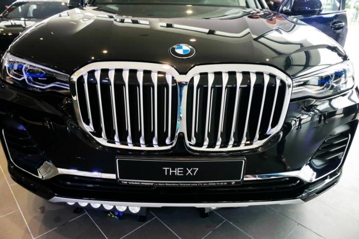 Бестселери з тест-драйвом, обмін та сервіс: у Франківську відкрили автоцентр BMW 1