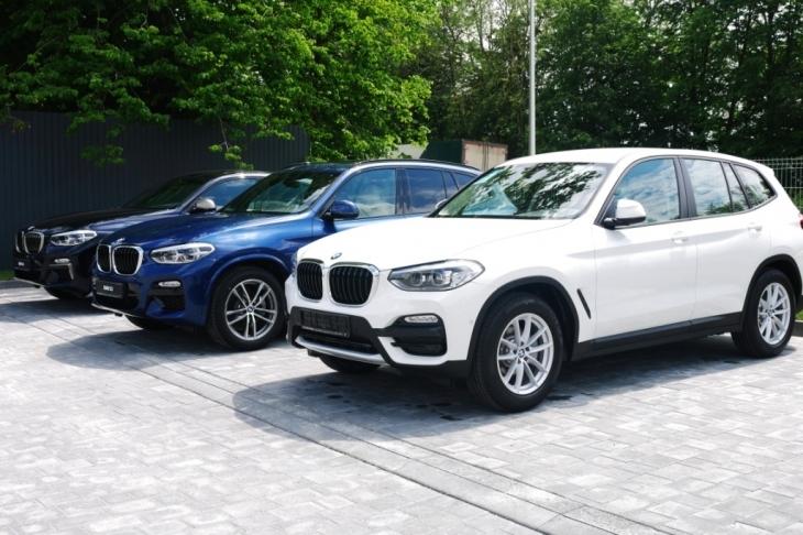 Бестселери з тест-драйвом, обмін та сервіс: у Франківську відкрили автоцентр BMW 4