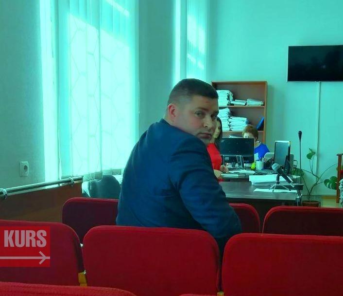 Скандальний прикарпатський чиновник, якого вже не вперше ловлять п'яним за кермом, звинувачує франківських патрульних у катуванні (фото)