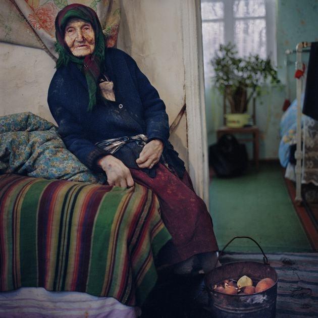 Канадський фотограф зафіксувала як вимирають українські села dc17a23d61c82