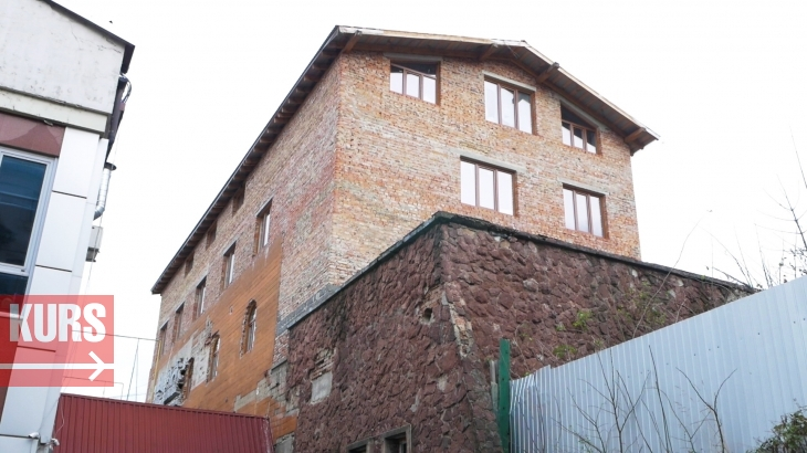 У Франківську на історичних Валах будують церкву: замість археологів працює екскаватор. ФОТО 6