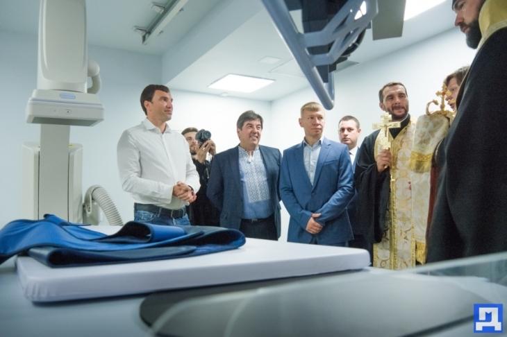 За сприяння Андрія Іванчука у Коломиї запрацював ангіограф – унікальний апарат для діагностики серцевих захворювань. ФОТО 4
