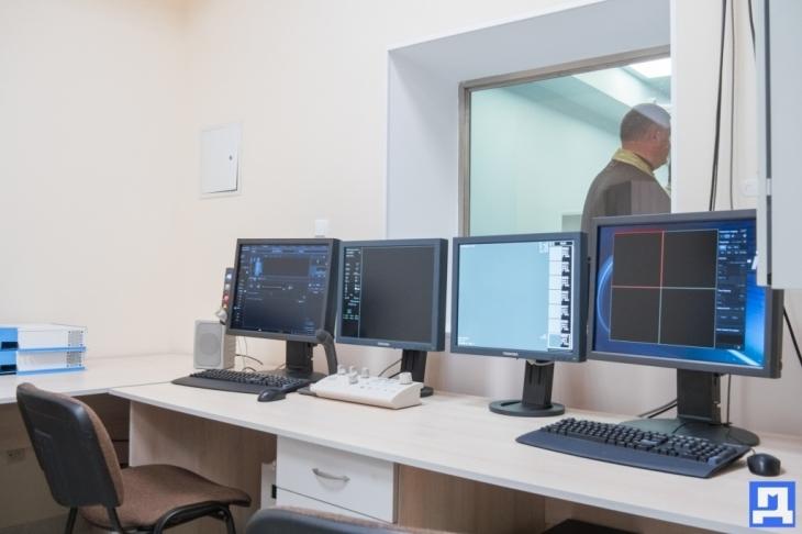 За сприяння Андрія Іванчука у Коломиї запрацював ангіограф – унікальний апарат для діагностики серцевих захворювань. ФОТО 20