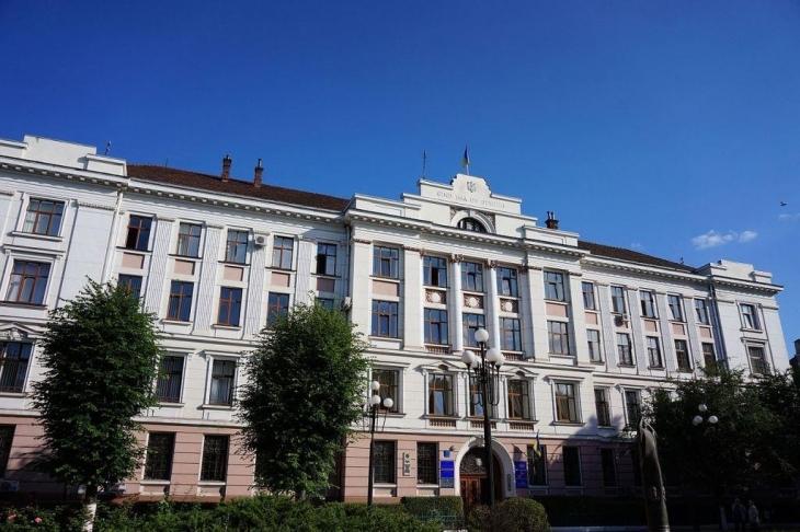 Де працюють діти та близькі родичі суддів Івано-Франківського апеляційного суду