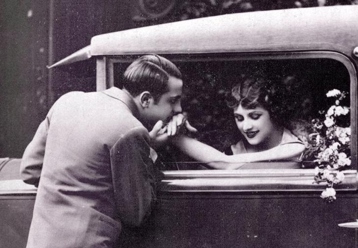 Романтична пара. Поштівка, 1930-ті роки.