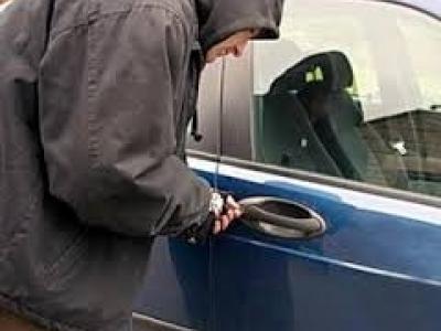 Крадій автомобіля