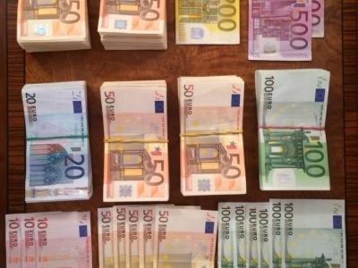 Прикарпатці зібрали грошей на майже 300 кевларових касок для бійців.