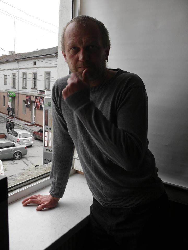 """Тарас Прохасько: """"Є багато людей в Україні, яким на війні і з війною жити добре"""" 4"""