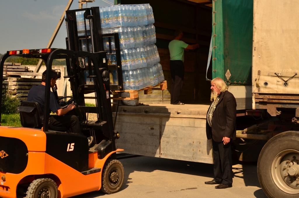 Волонтери з Коломиї доставлять українським військовим понад 28 тонн вантажу 2