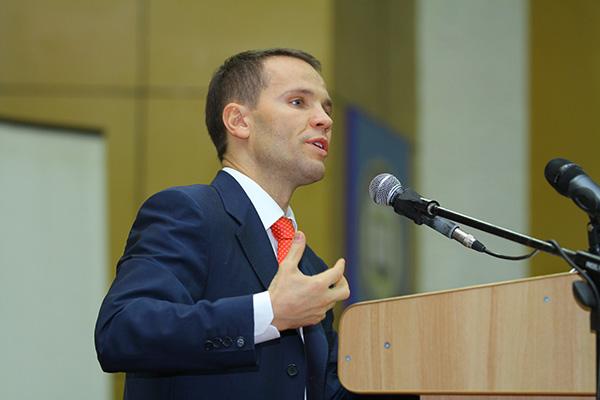"""Юрій Дерев'янко: """"На жаль, нинішній парламент навіть більш проолігархічний, ніж минулий"""" 1"""