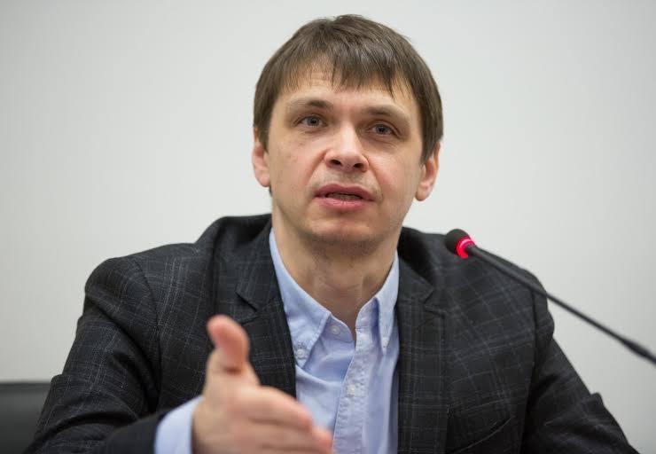 """Політолог Сергій Таран: """"Нам потрібно протриматися рік. І Росія сама забереться з України"""" 8"""