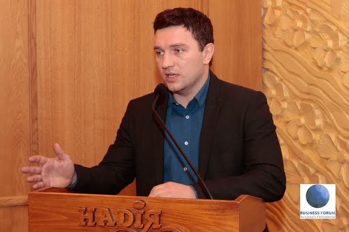 Франківські політики вважають провокації під ВРУ дешевим піаром 4