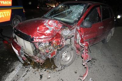 Троє травмованих у ДТП на Тисменицькій трасі: зіткнення сталося на великій швидкості. ФОТО 2