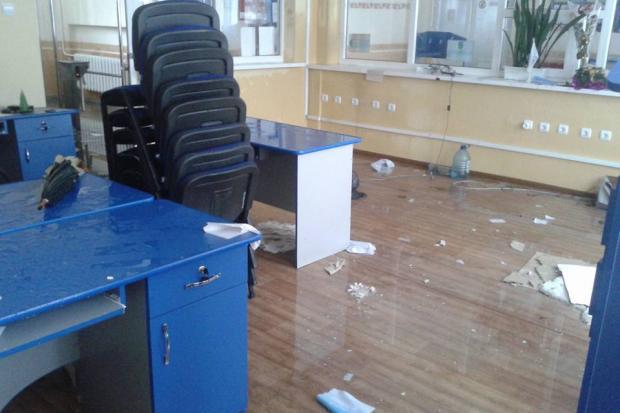 У Калуші затопило Центр адмінпослуг. ФОТО 2