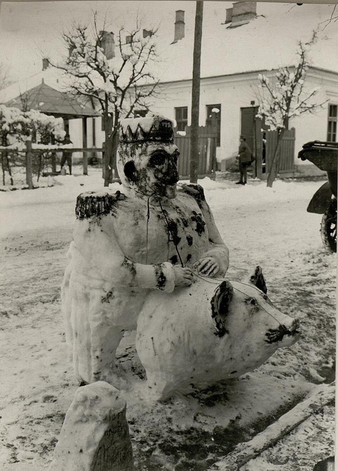 Зимові розваги: як австрійські військовики в Галичині у 1916 році цісаря зі свинею зліпили. ФОТОФАКТ 2
