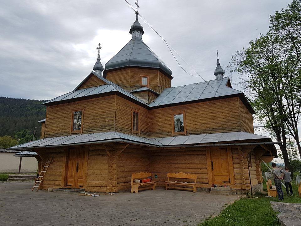У Яремчі реставрують столітню церкву 1