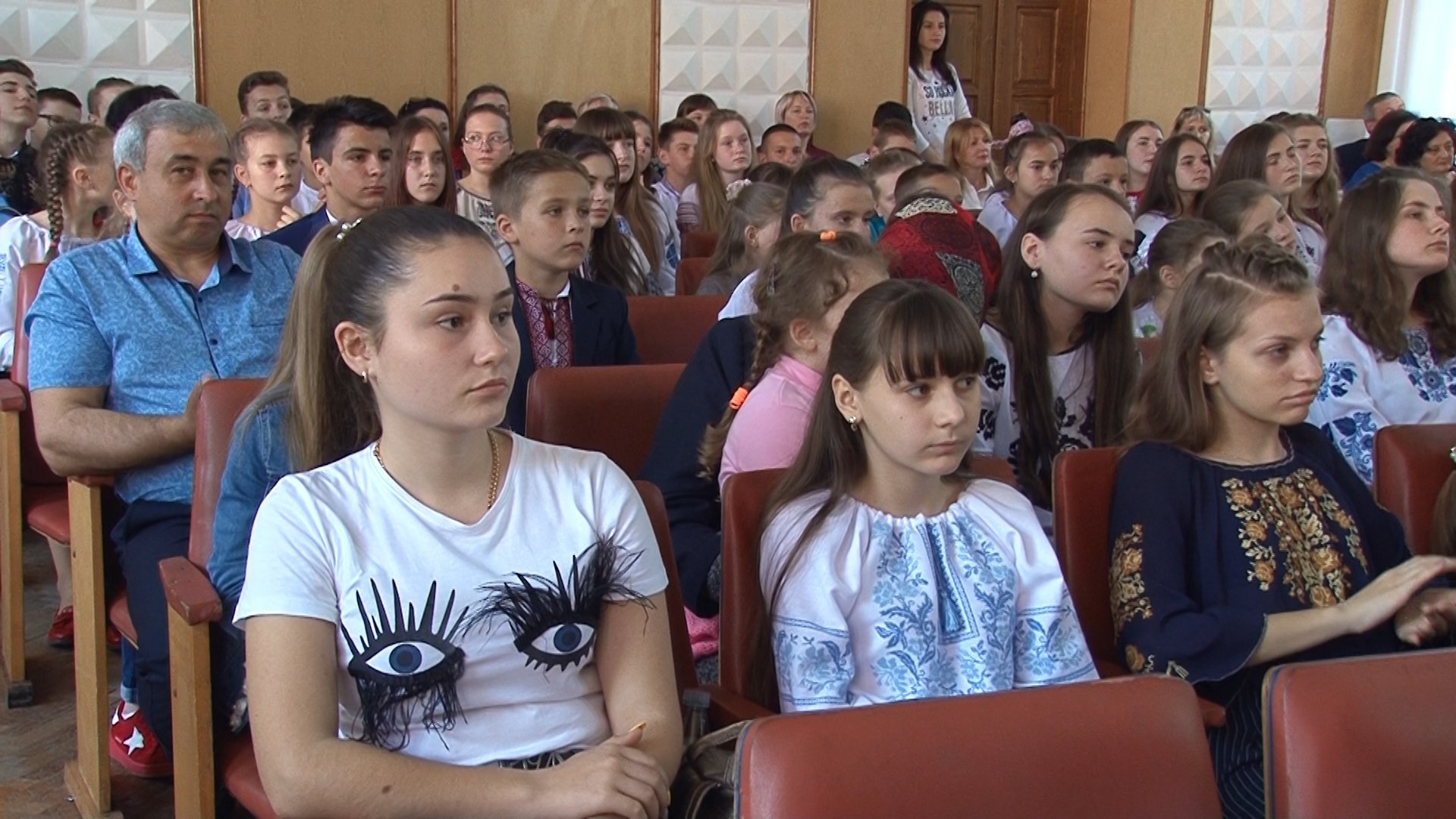 Найкращі учні та вчителі Богородчанського району отримали грошові нагороди від нардепа Дерев'янка 10