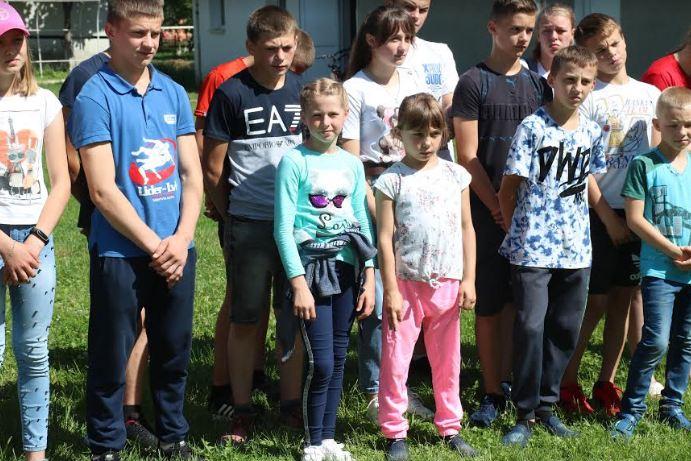 Благодійний фонд Юрія Дерев'янка нагородив найкращих спортсменів з Надвірнянського району 6