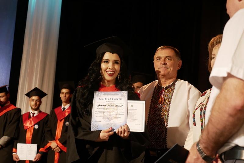 Іноземні студенти-медики у Франківську склали присягу лікаря і отримали дипломи 34