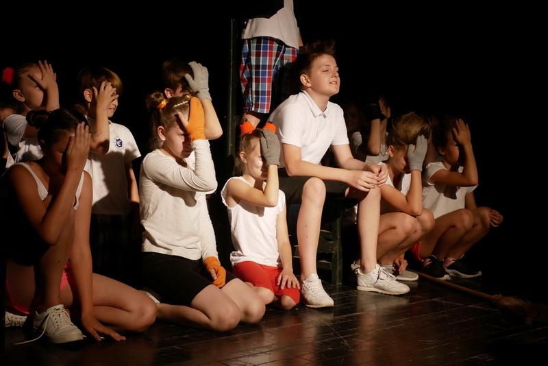 """Дитяча театральна майстерня"" у Франківську показала виставу про бабая Йохана 1"