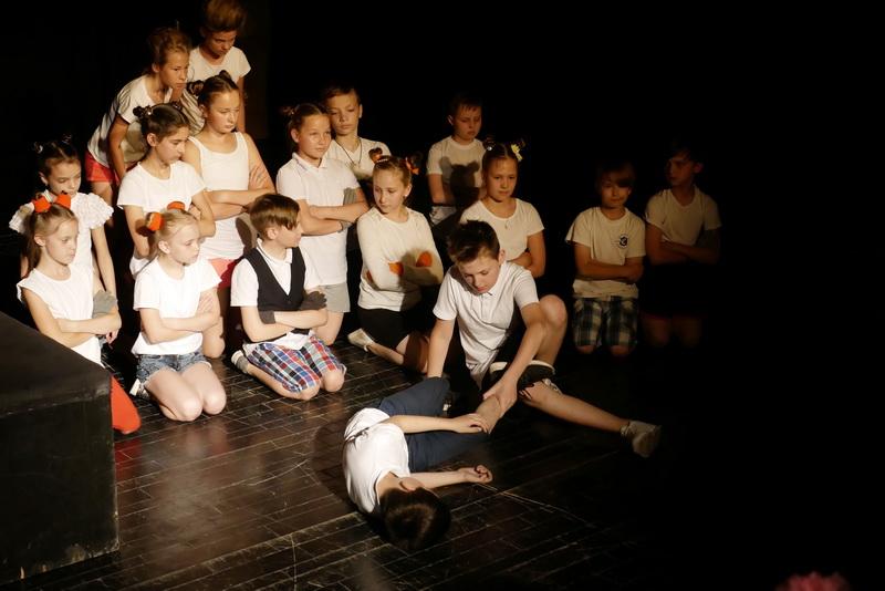 """Дитяча театральна майстерня"" у Франківську показала виставу про бабая Йохана 5"