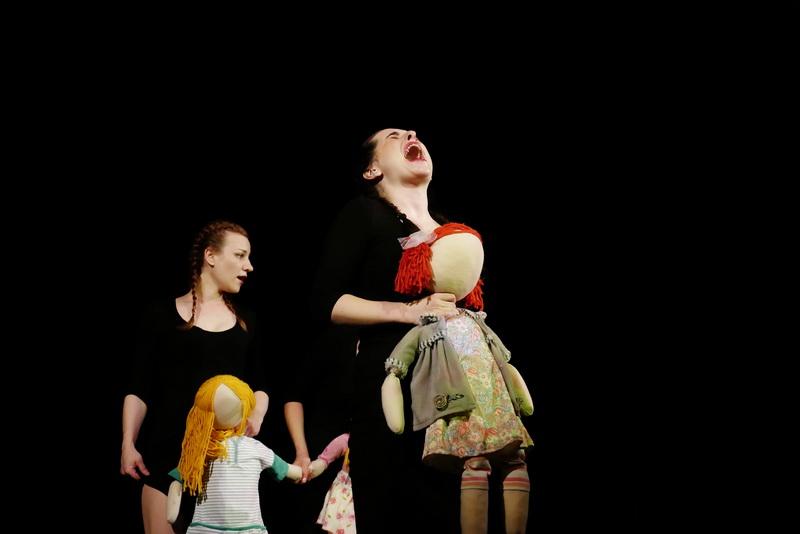 """У театрі ляльок показали виставу для дорослого глядача """"Усе про жінок"""" 11"""
