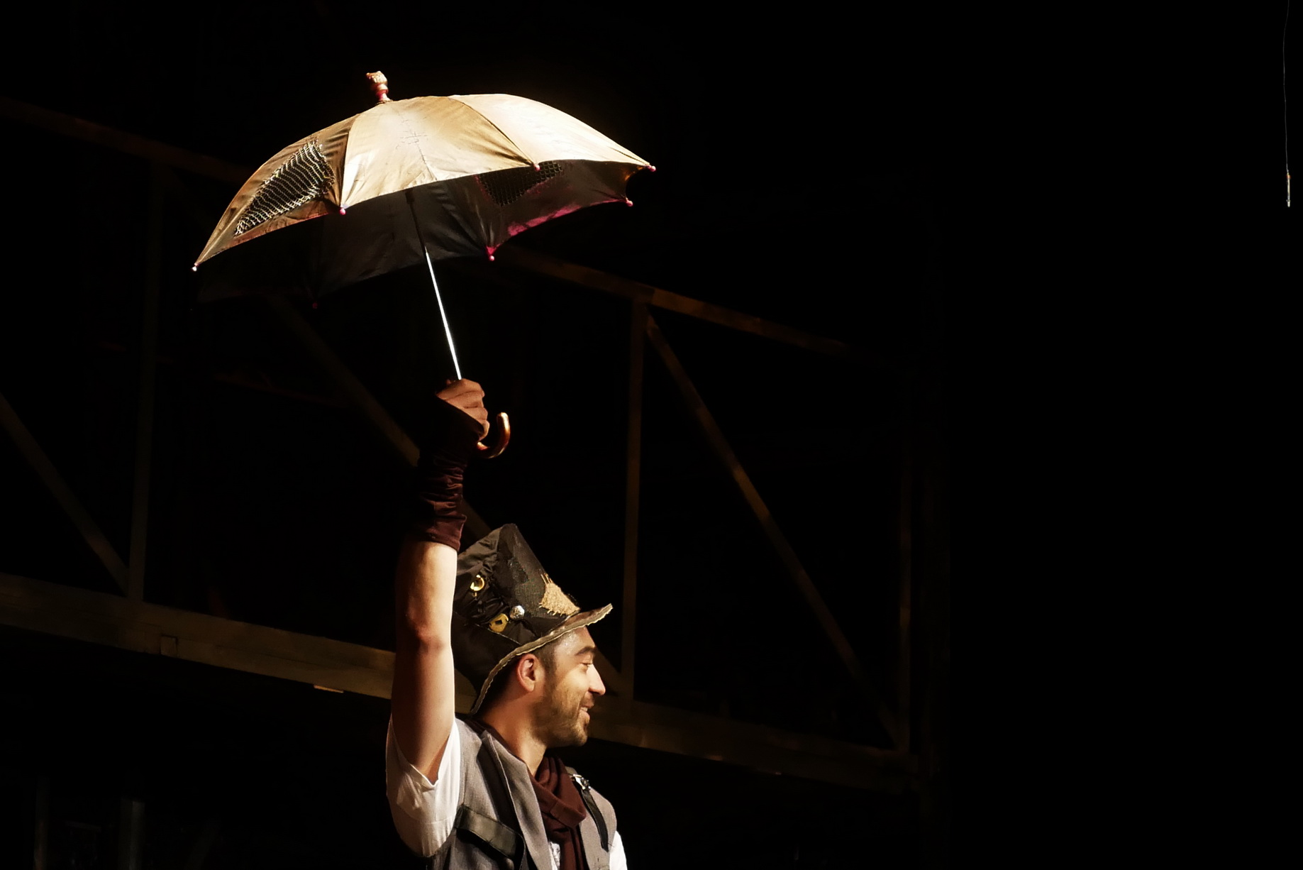 Франківський драмтеатр представив останню прем'єру сезону ''Продавець дощу'' 8