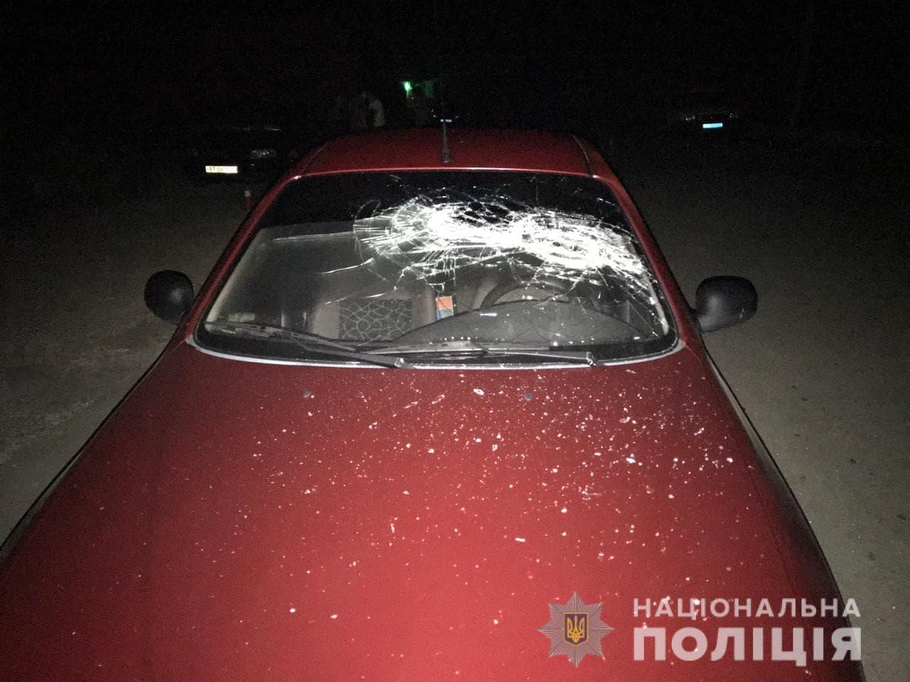 У Болехові чоловіки підстрелили знайомого та розбили його машину 1