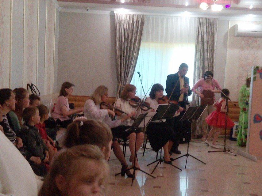 Благодійний фонд Юрія Дерев'янка посприяв проведенню свята для дітей з обмеженими можливостями в Отинії 6
