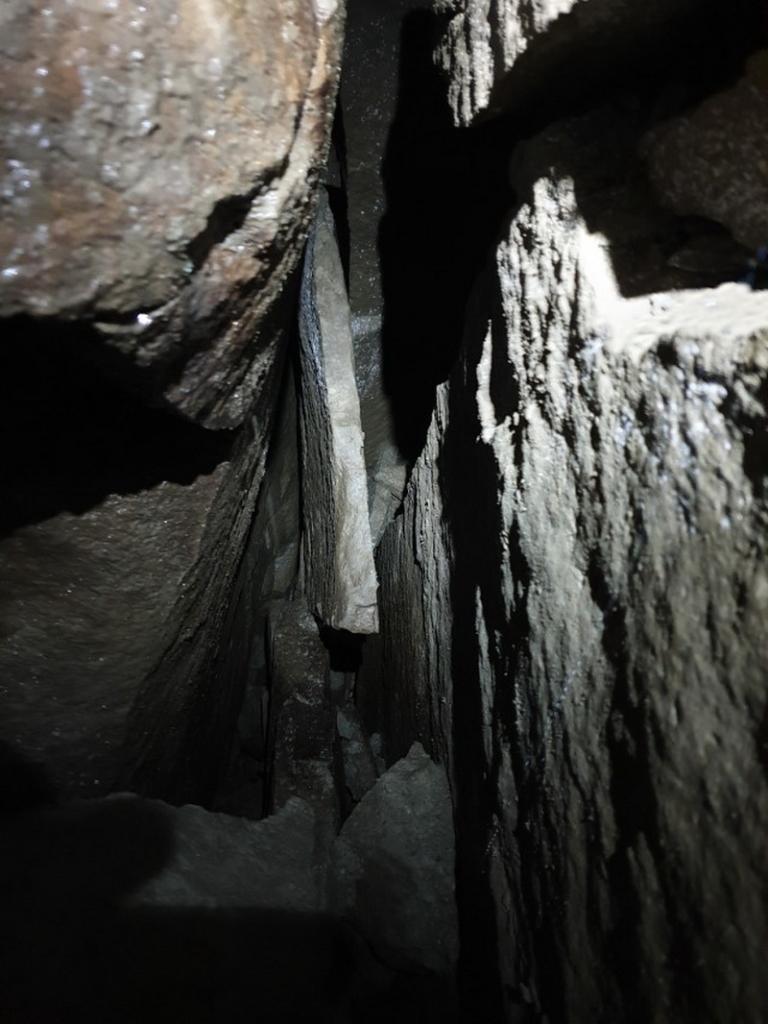 200 м ходів: під горою Піп Іван дослідили печеру 5