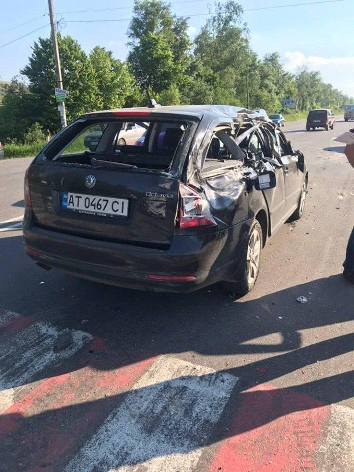 Під Франківськом зіткнулися 5 авто – перекриті три смуги руху 2