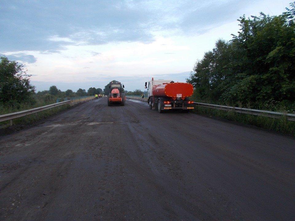 На Франківщині ремонтують автотрасу до Гошева 3