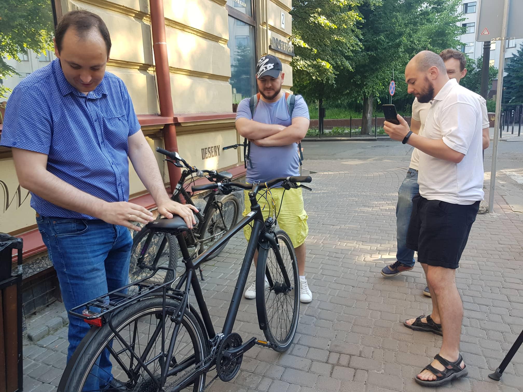 Франківські чиновники на велосипедах проінспектували місто 2