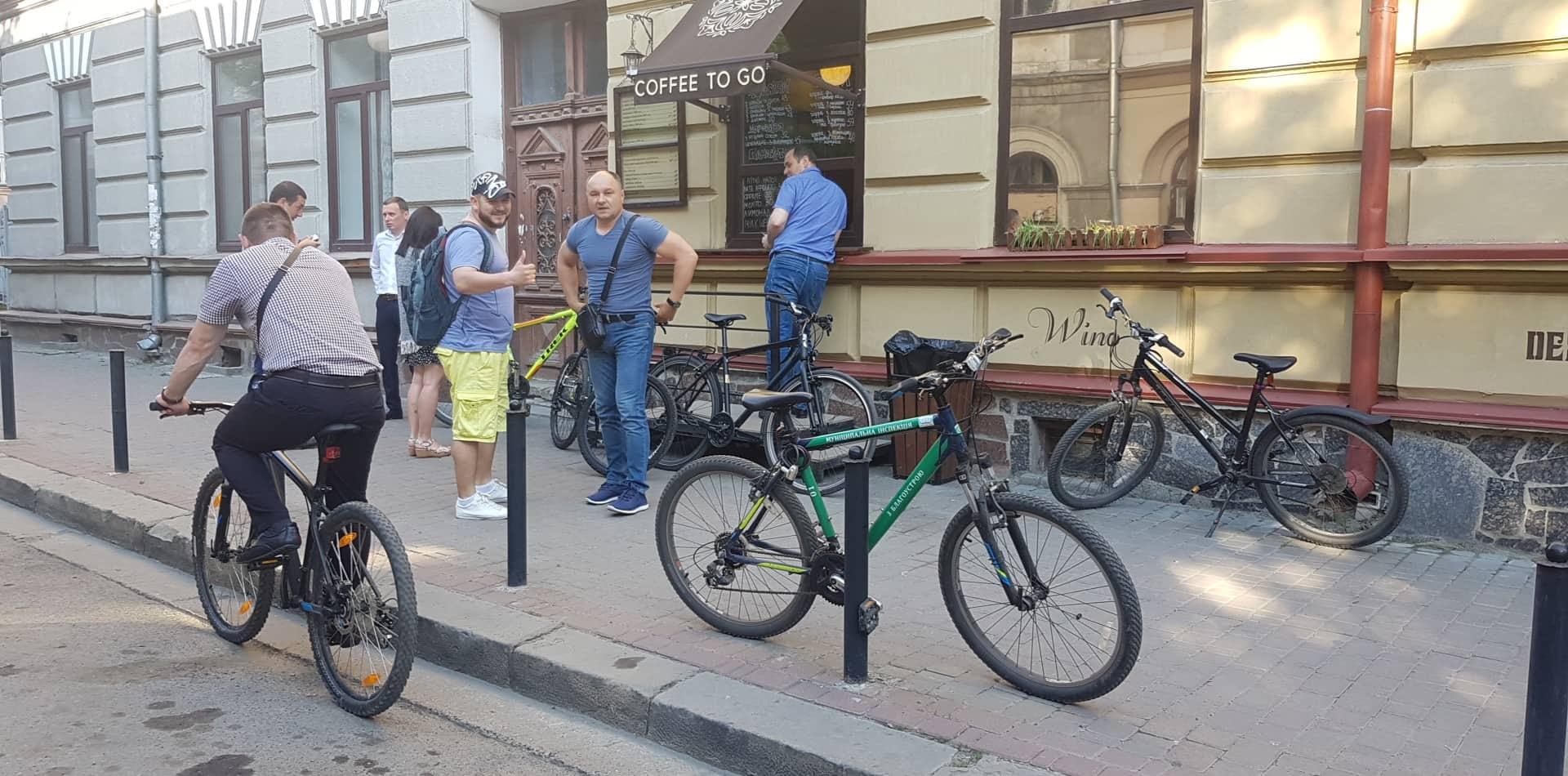 Франківські чиновники на велосипедах проінспектували місто 8