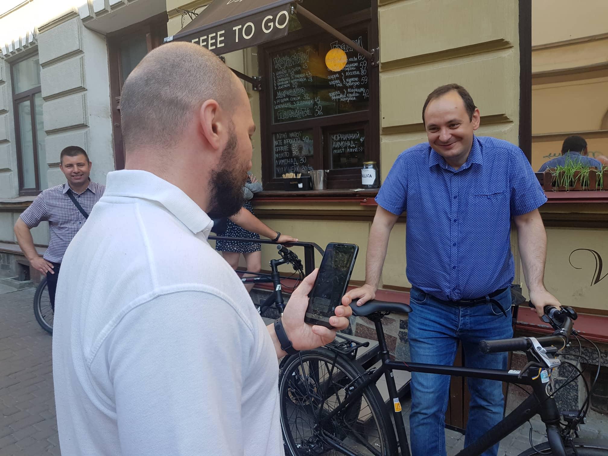 Франківські чиновники на велосипедах проінспектували місто 10