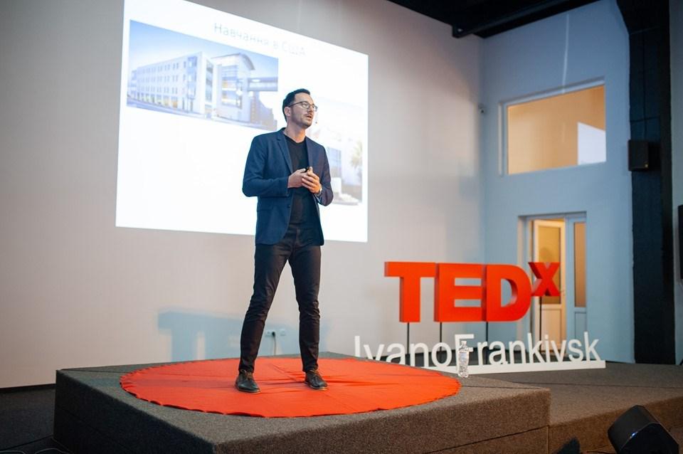 На що мотивують невдачі: у Франківську пройшов TEDx 10