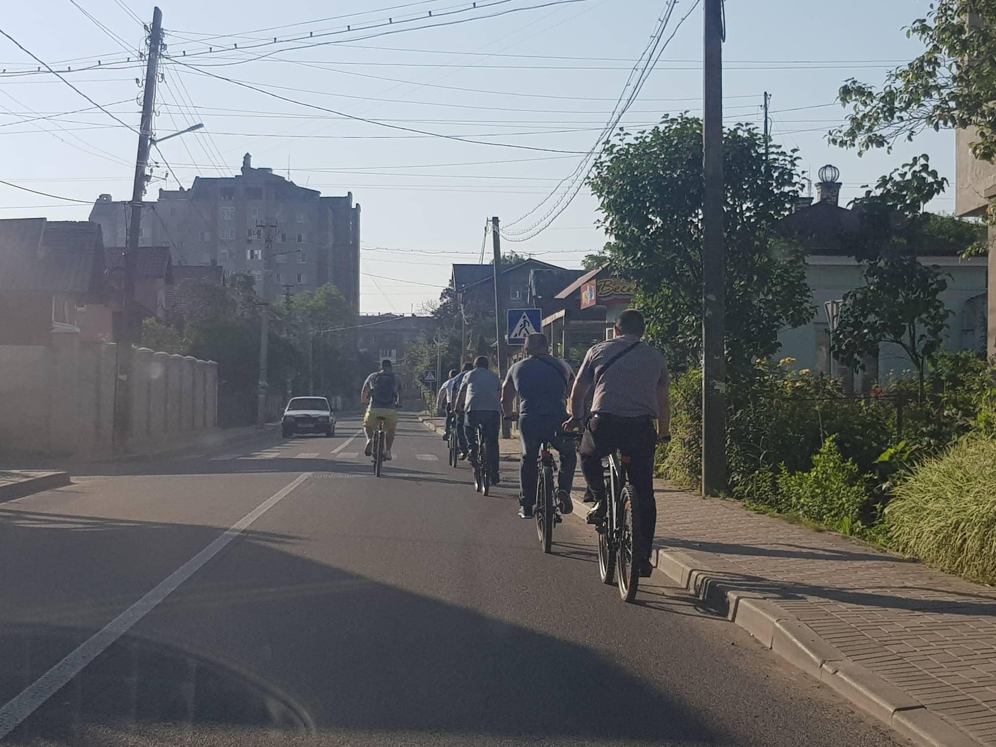 Франківські чиновники на велосипедах проінспектували місто 12