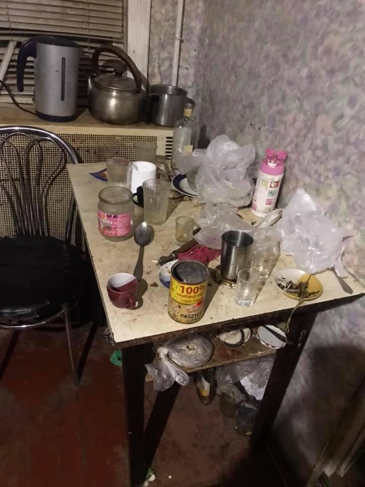 У п'яної мами в Надвірній вилучили трьох дітей. ОНОВЛЕНО 3