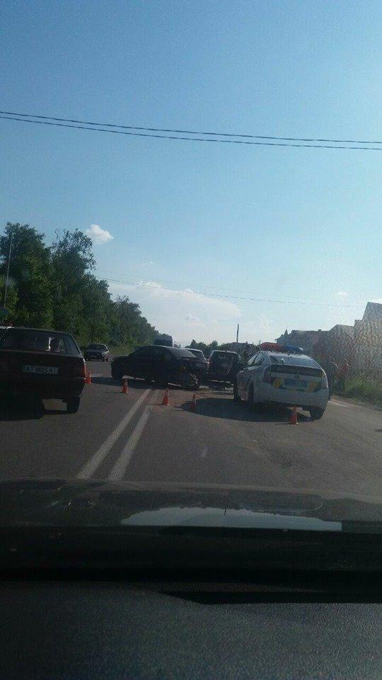Під Франківськом зіткнулися 5 авто – перекриті три смуги руху 1