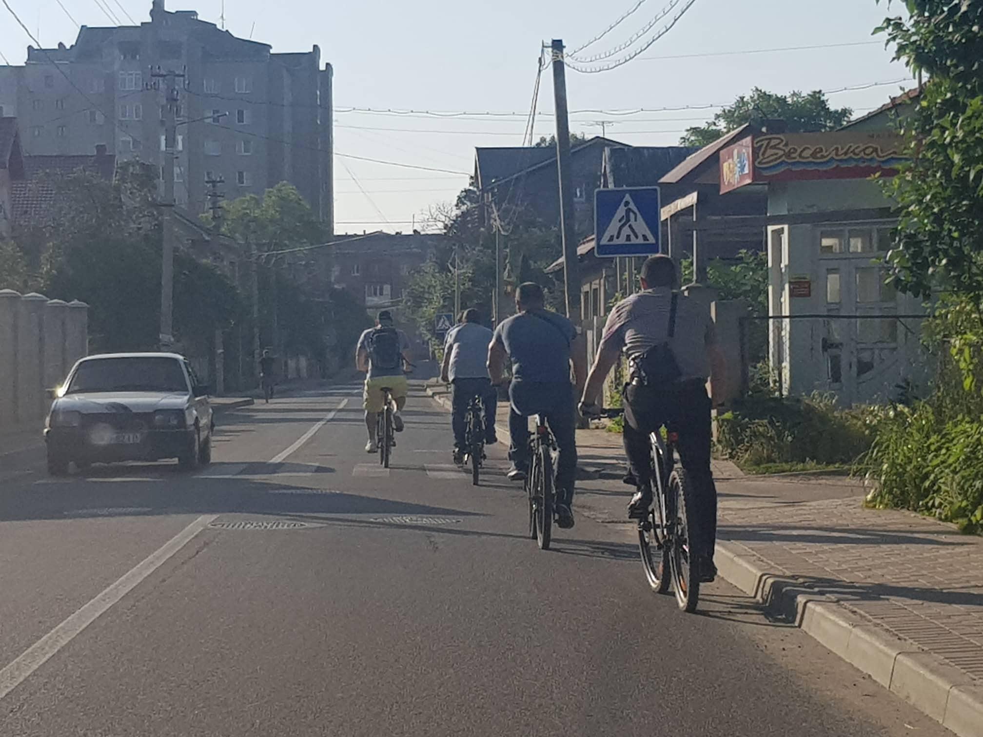 Франківські чиновники на велосипедах проінспектували місто 14