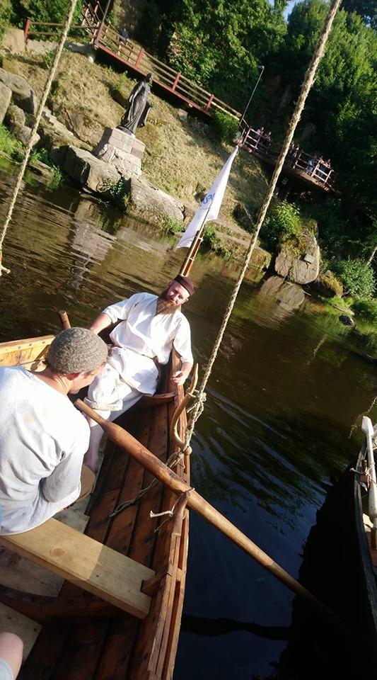 Франківці середньовічним човном прибули на історичний фестиваль у  Коростені 8