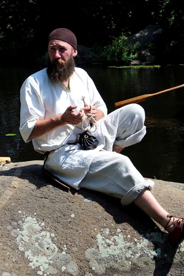 Франківці середньовічним човном прибули на історичний фестиваль у  Коростені 20