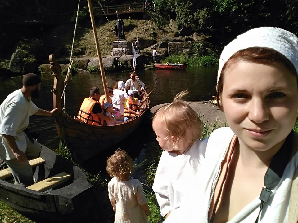 Франківці середньовічним човном прибули на історичний фестиваль у  Коростені 4