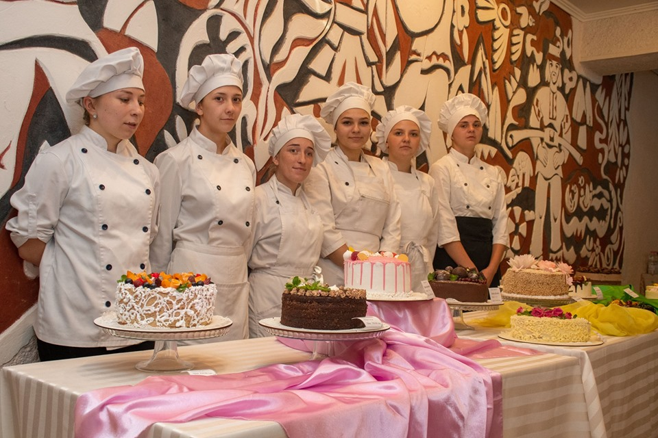 Мер Марцінків приймав іспити у кухарів та офіціантів 8