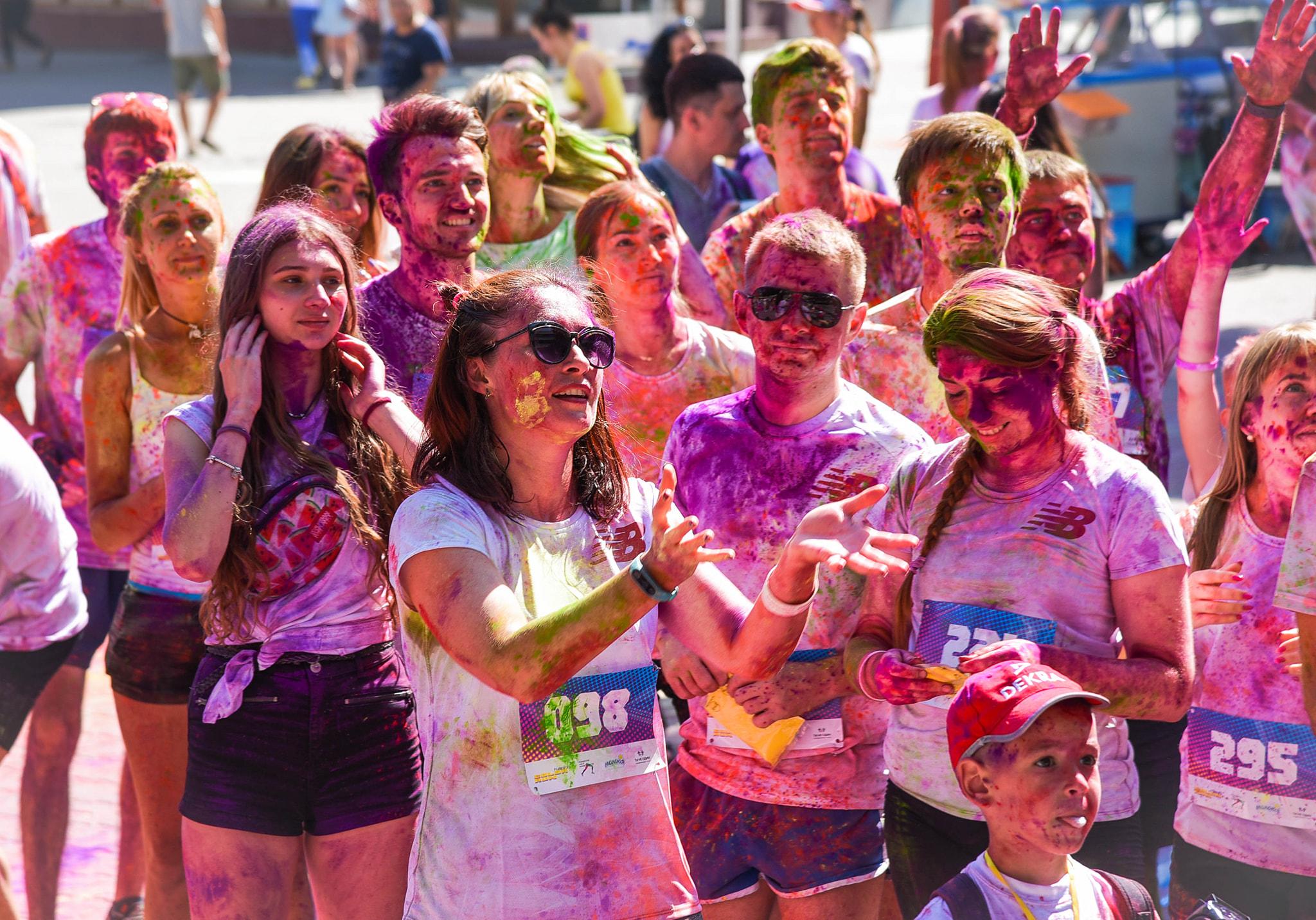 У Франківську на кольоровому пробігу зібрали понад 15 тисяч гривень на здійснення дитячих мрій 4