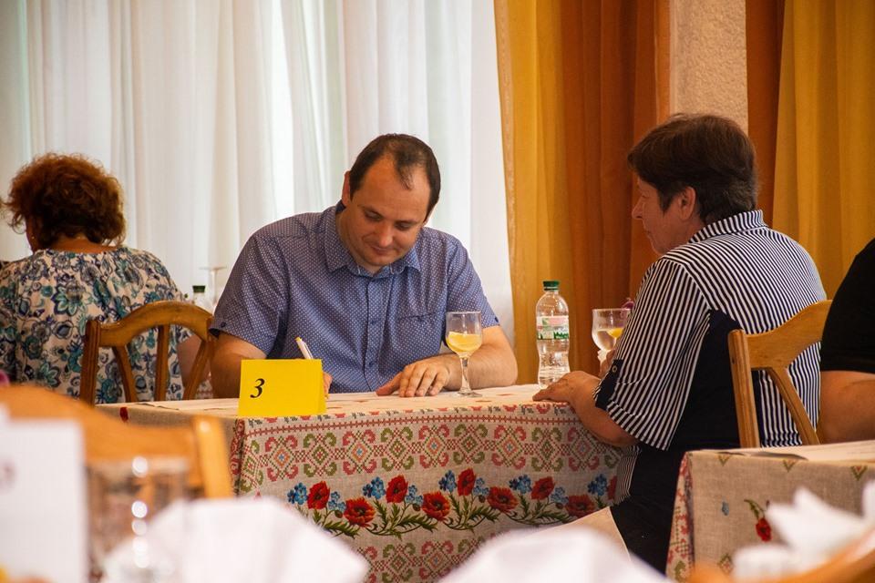 Мер Марцінків приймав іспити у кухарів та офіціантів 12