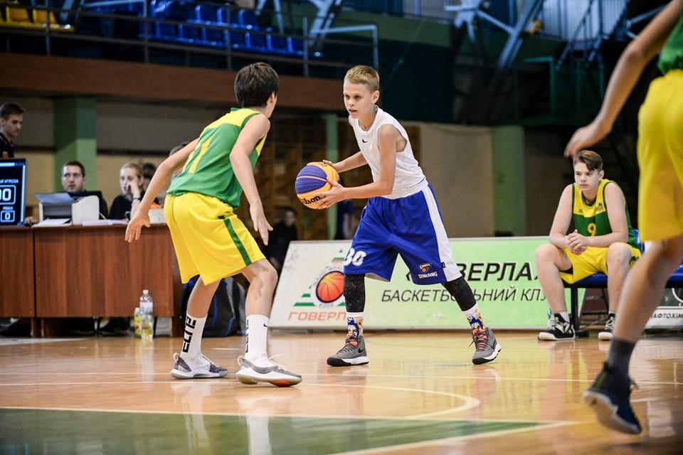 У Франківську 32 команди змагалися в баскетболі 8