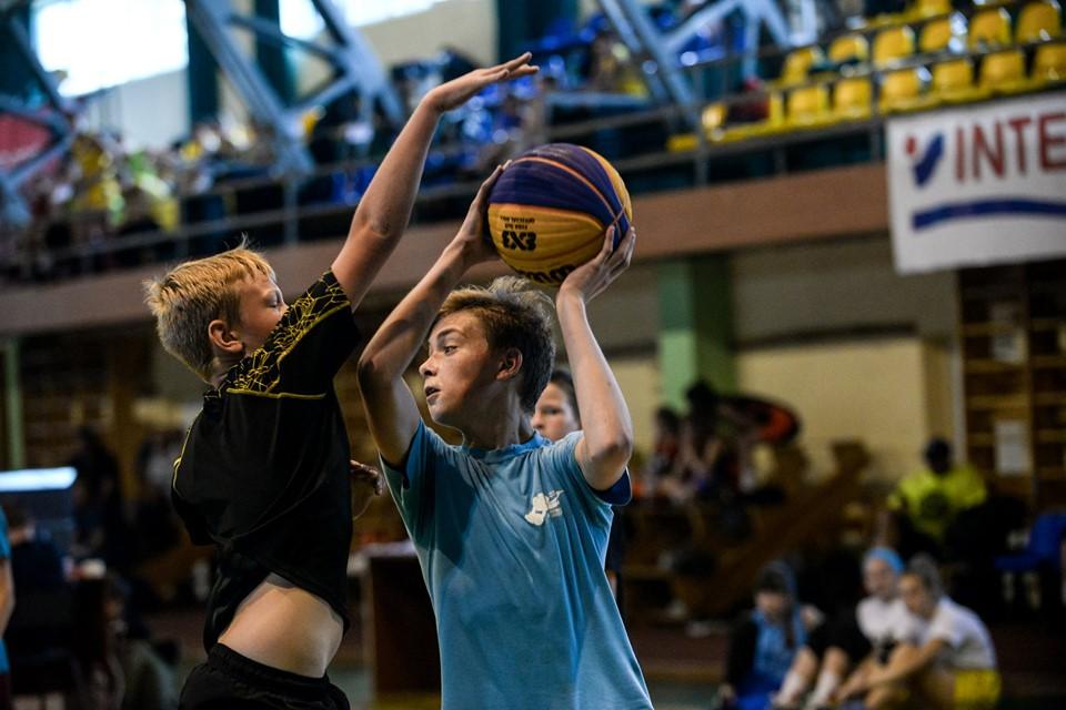 У Франківську 32 команди змагалися в баскетболі 4