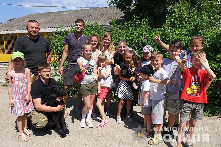 У Франківську поліцейські показали дітям, як працює кінологічна служба 6